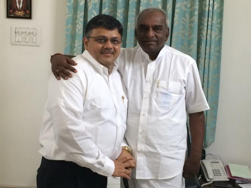 Pranav with H'ble Minister Shri Ponnarr ji (Transportation Ministry, Govt. of India)