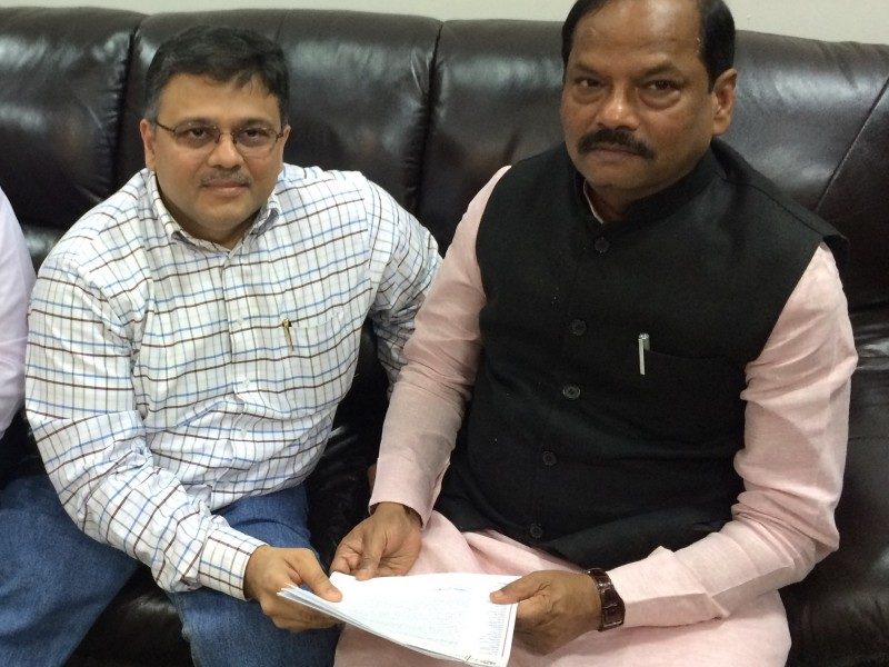 Pranav with CM of Jharkhand Shri Raghubar Das ji