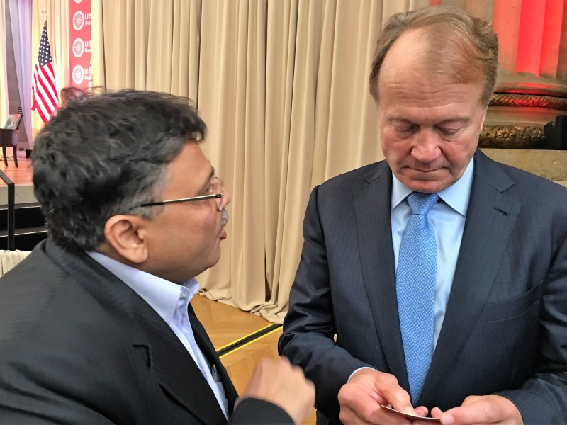 Mission VoSAP-brief introduction to John Chambers, Chairman, Cisco