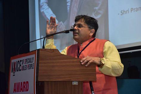 Pranav Desai addressing at VOSAP Award Ceremony